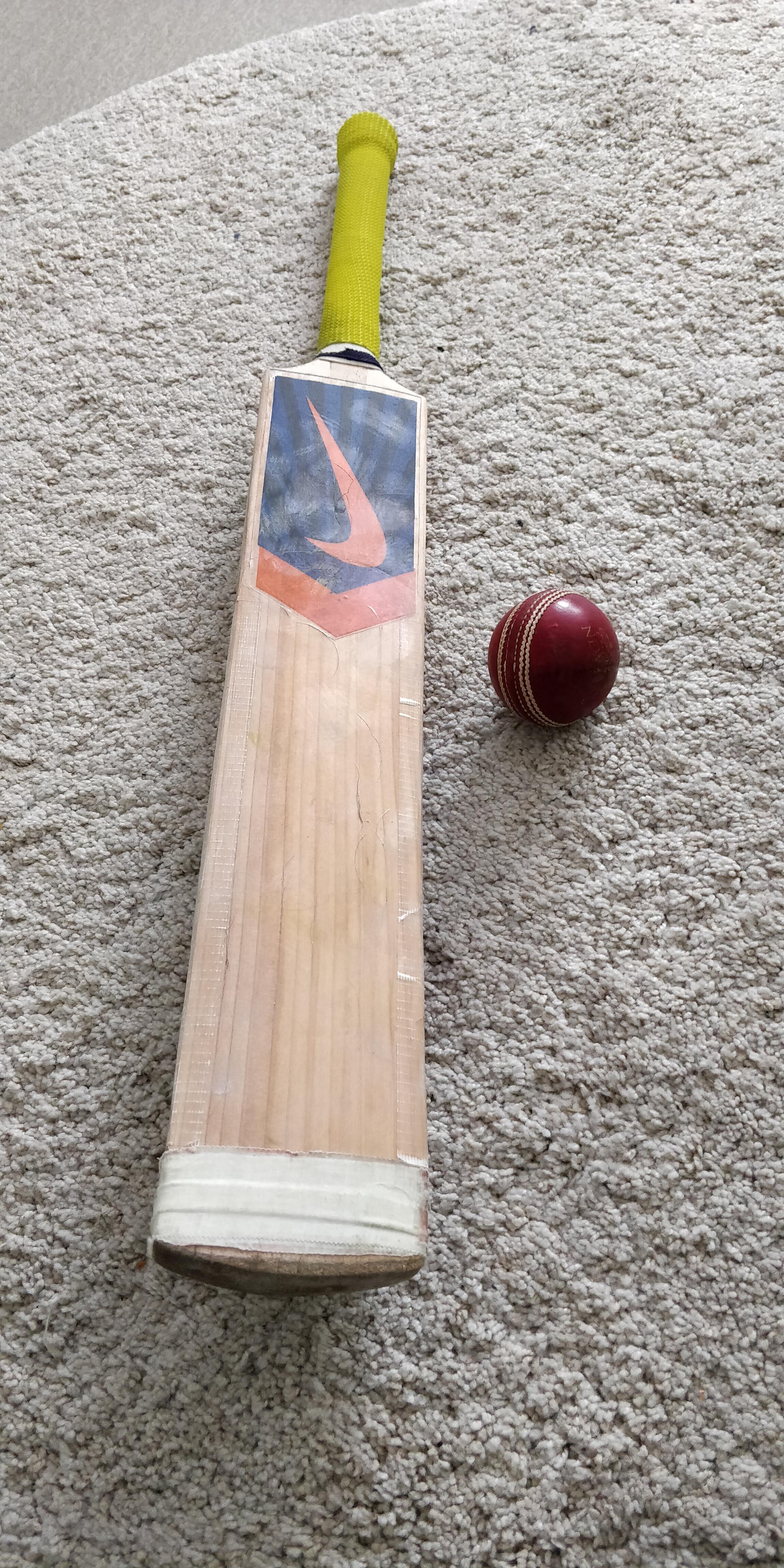 Mitä on krikettipelaajan laukussa?